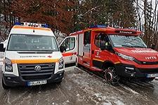 14.01.2019: Rotes Kreuz sichert weiterhin abgeschnittene Ortschaften und Dachräumarbeiten medizinisch ab, schaufelt Schnee von Dächern und verpflegt Einsatzkräfte mit warmen Mahlzeiten
