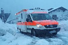 15.01.2019: Lawinengefahr auf den Bundesstraßen: BRK-Bereitschaften versorgen auch am Dienstag mit zwei zusätzlichen Fahrzeugen Schneizlreuth und Weißbach an der Alpenstraße