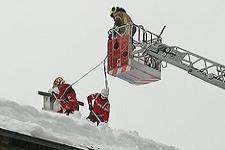 15.01.2019: 150 Rotkreuzler unterstützen auch am Dienstag den großen Schnee-Einsatz im Berchtesgadener Land